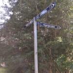 Åt vilket håll pekar skylten?