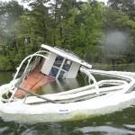 """""""Självklart får man inte lämna en båt på det här  sättet"""""""