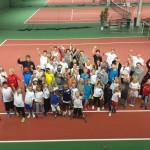 Rekordmånga ungdomar på tennisläger