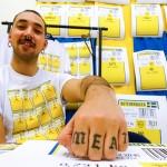 Rekordpublik när konststudenter krängde udda prylar