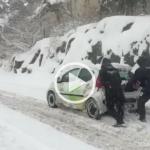 VIDEO: Så här såg det ut i den snöiga stadsdelen idag