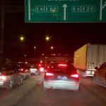Långa köer efter större trafikolycka