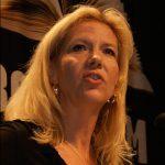 Liza Marklund lämnar Mälarhöjden