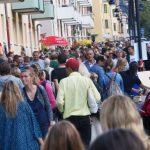 2 km loppis: Gatumusikanter och barnloppis på gång