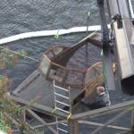 FILM: Här bärgas den sjunkna båten