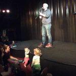 100 bebisar på baby-stand up-premiär