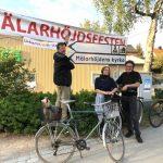 De tar cykeln till Mälarhöjdsfesten
