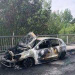 Åtta bilar brann vid Nybohov
