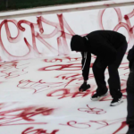 Stockholms Auktionsverk säljer bilder av graffitin i Personnebadet