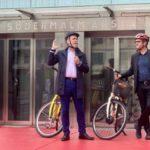 Film: Första turen med nyinvigda cykelhissen på kajen