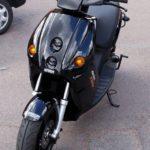 Parkeringsavgifter sänks för el-mopeder och el-mc