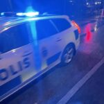 Ungdomar i Liljeholmen kastade smällare mot polisen