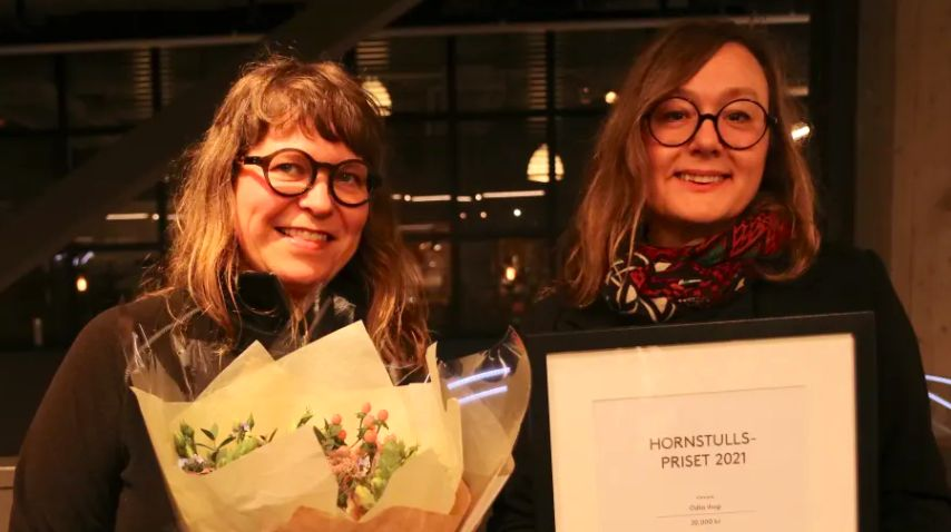 två kvinnor som vunnit hornstullspriset
