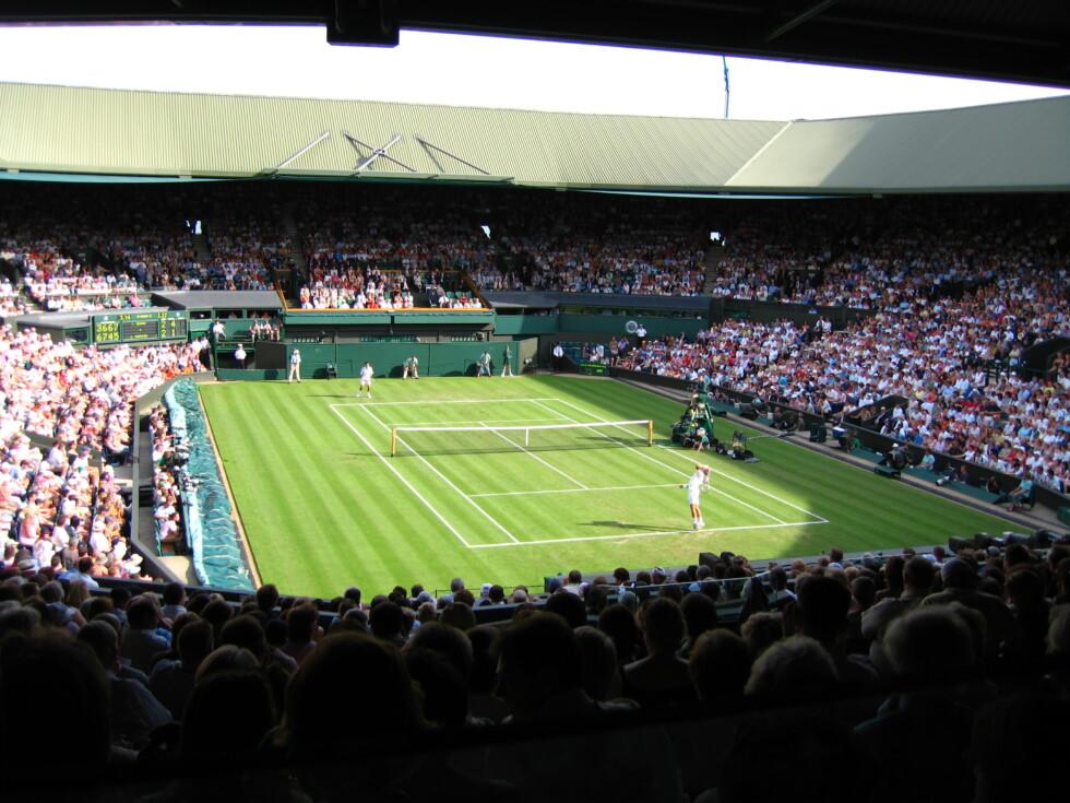 Centre_Court_Wimbledon_(2)