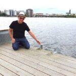 Förslag: Farliga badstegar på nya bryggan på Liljeholmskajen – byt ut dem
