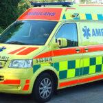 Cyklist i kollision med bilist i Midsommarkransen – fördes till sjukhus med ambulans