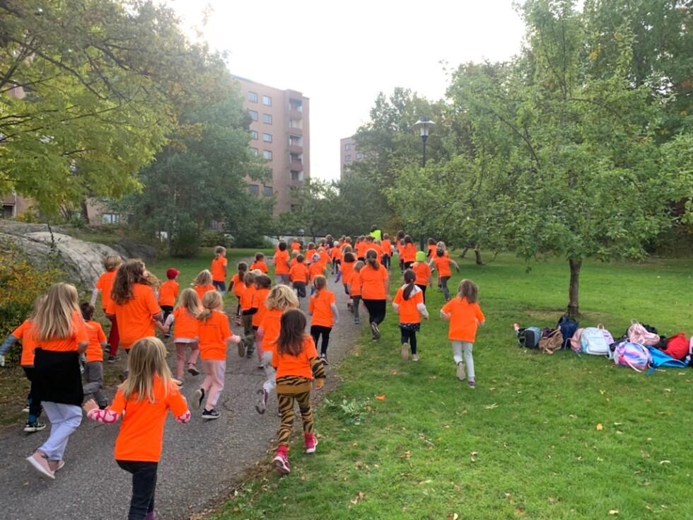 elever springer för världens barn 3